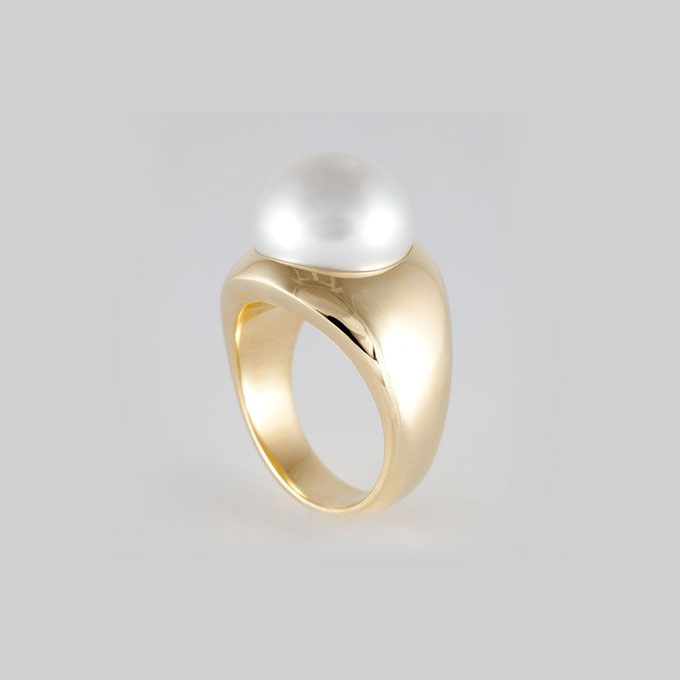 Pearl and Matte Gold Ring