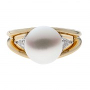 Yellow Gold Ring With Brilliant Broome Pearl - The Bermuda
