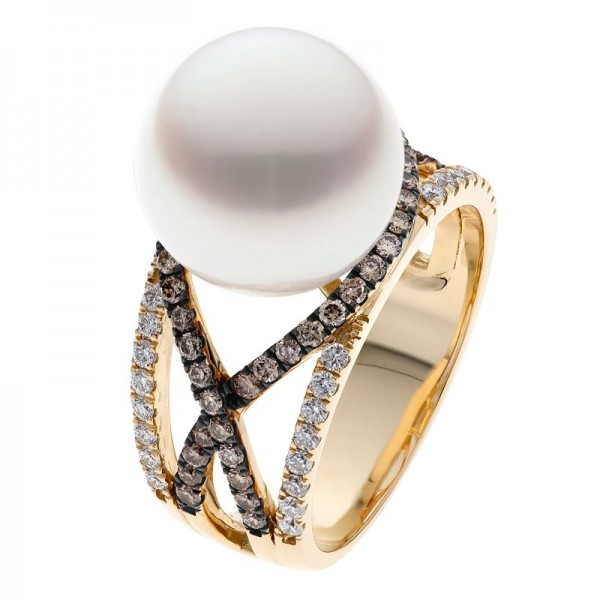 Champagne Diamond Ring With Broome Pearl