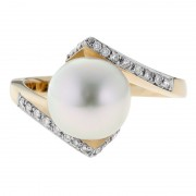 Diamond and Pearl Flare Ring In Yellow Gold - The Jupiter