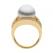 Broome Pearl Ring With Diamonds In Yellow Gold - The Dream Dancer