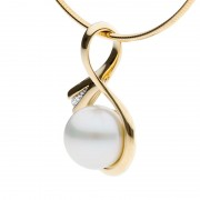 Broome Pearl Pendant in Yellow Gold - The Tranquil Bay
