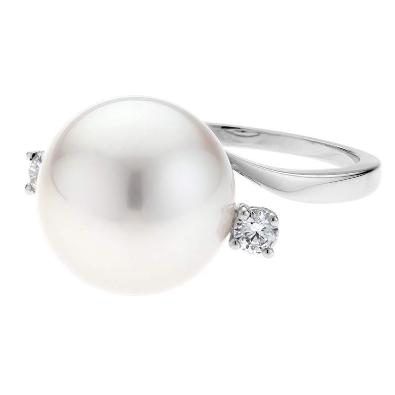 Paris_Pearl_Ring_-_Side_View