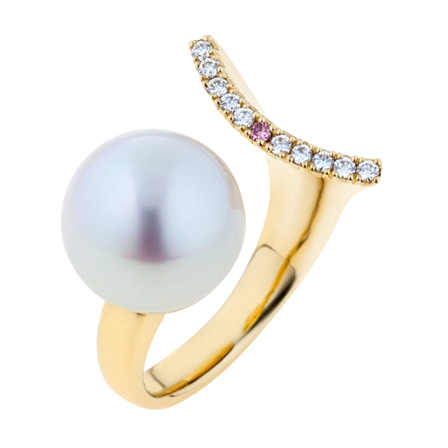 Pink Diamond and Broome Pearl 18CT Gold Ring - Fish Tail