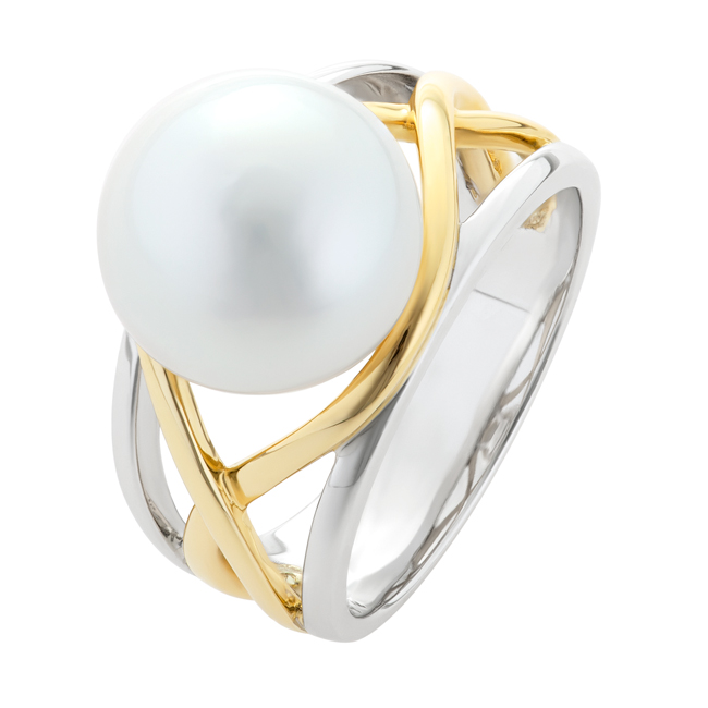 Two-Tone-wide-pearl-ring-with-gold-weave-Pierro