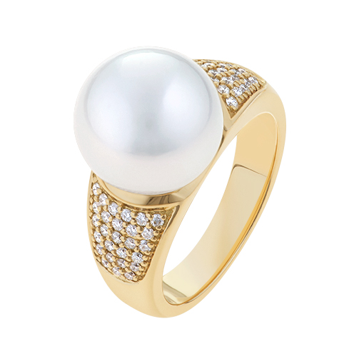 Yellow-Gold-Diamond-and-Pearl-Ring-Pave-Essence