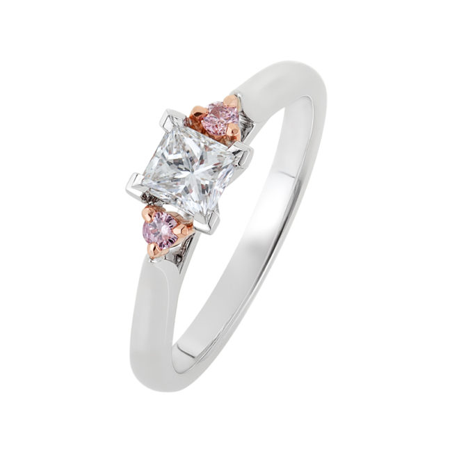 Engagement Ring Princess cut with Pink Diamonds
